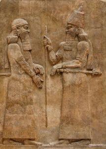 Le roi Sargon II (722-705) et un dignitaire, bas-relief du palais de Dur-Sharrukin (Khorsabad), Musée du Louvre.